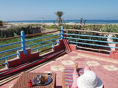 Surf camp Maroc yoga terrace